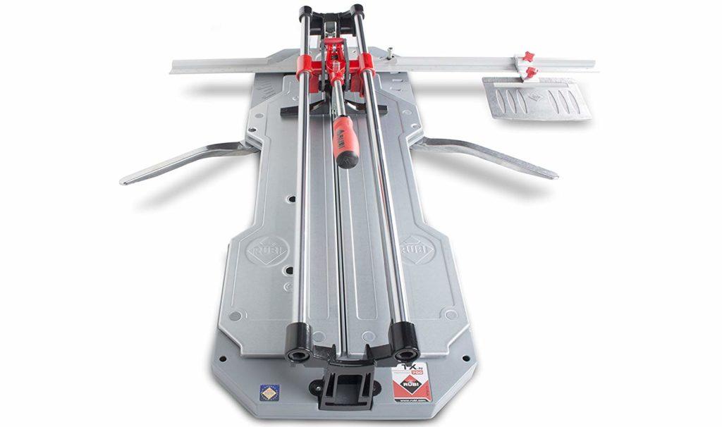 le coupe carreaux est complémentaire avaec un modèle électrique !